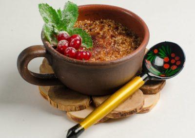 Запеченная ряженка с ягодами и карамелью            </br> </br> 100г / 280 руб